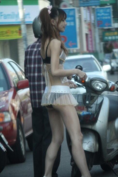 台湾のビンロウ売りの少女たちの衣装がセクシー過ぎる露出エロ画像 11101