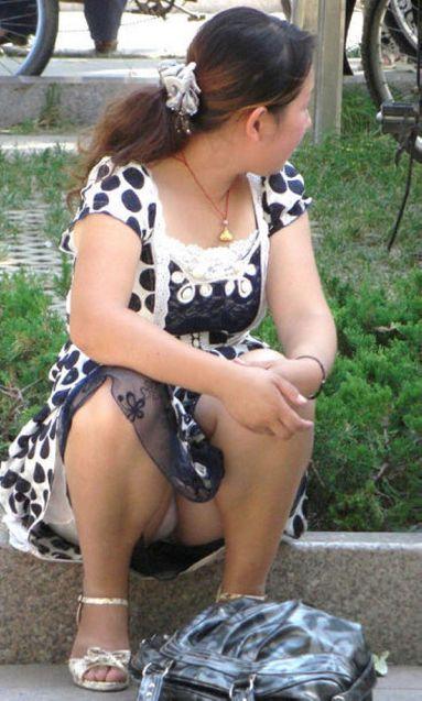人妻の汗の臭いが染み付いたパンチラ画像 1193