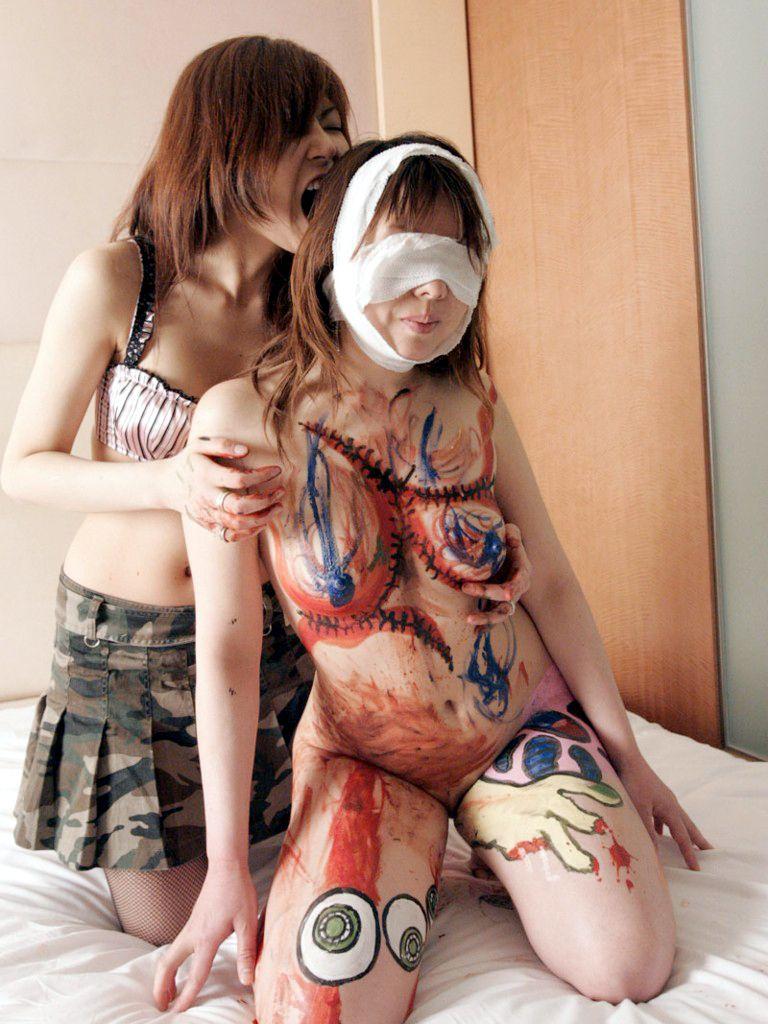 女同士のレズカップルがエッチなSMプレイをしてるエロ画像 125
