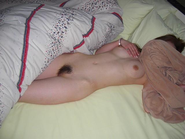 セックスに気持ち良くなり過ぎて突然の撮影に顔を隠したセフレのハメ撮りエロ画像 1328