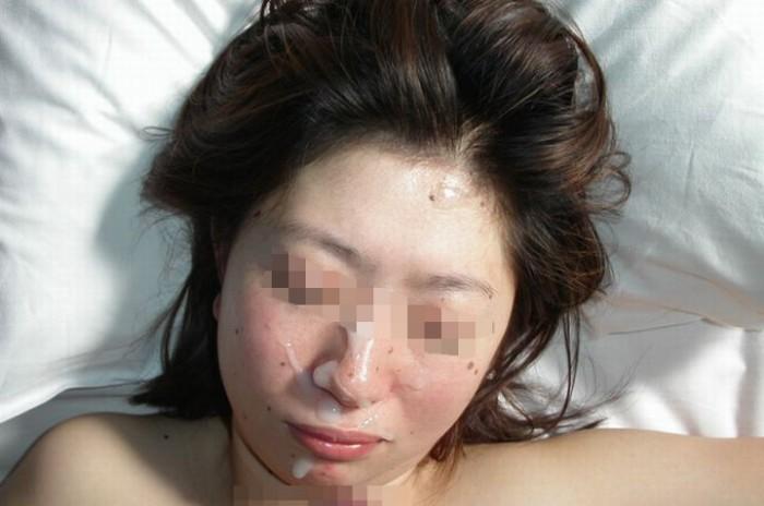 白濁ザー汁を顔射したりボディーにぶっかけてるエロ画像 1337