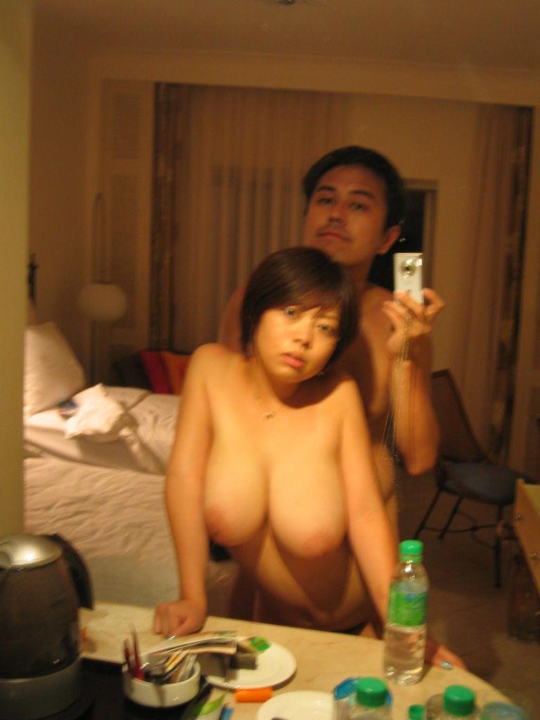 セフレと鏡越しにフェラとかハメ撮りしちゃってるエロ画像 166