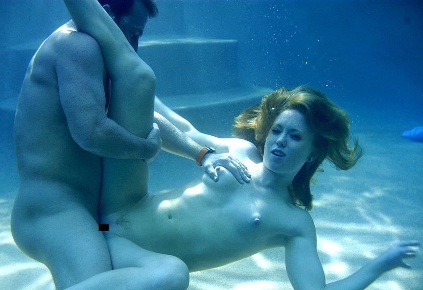 水中で激しいセックスをするガチで命がけのヤバいエロ画像 1670