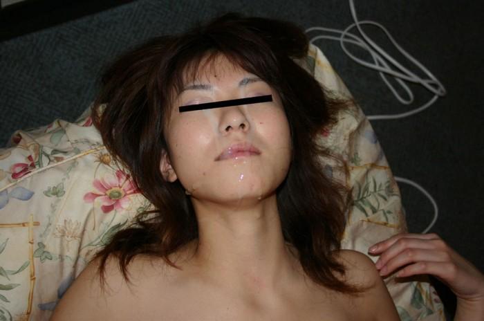 ドロドロのザーメンを好きな女の顔にぶっかける顔射エロ画像 171
