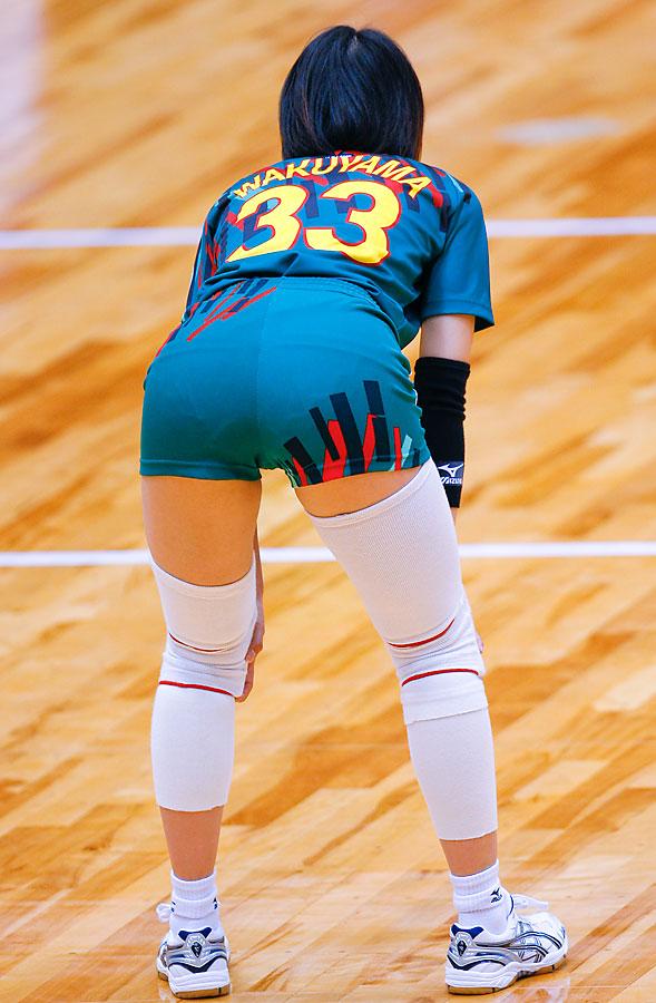 エロい視線で女子バレー選手の巨乳おっぱいやお尻を眺めるエロ画像 2055