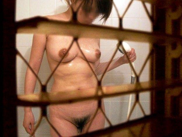 お風呂や脱衣所で裸になってる姿をガチ隠し撮りされた女のヤバいエロ画像 2217
