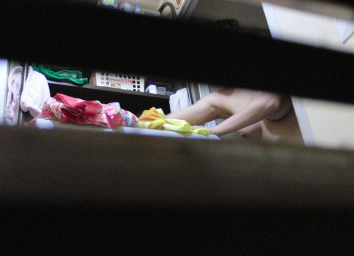 お風呂や脱衣所で裸になってる姿をガチ隠し撮りされた女のヤバいエロ画像 2415