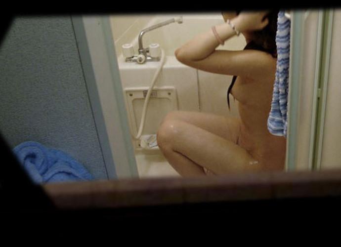 お風呂や脱衣所で裸になってる姿をガチ隠し撮りされた女のヤバいエロ画像 2514
