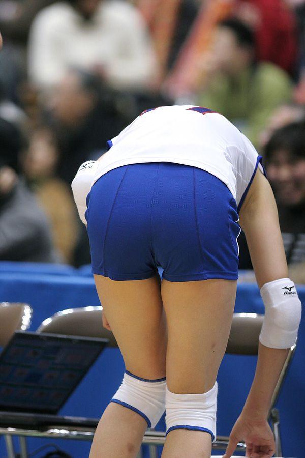 エロい視線で女子バレー選手の巨乳おっぱいやお尻を眺めるエロ画像 2533