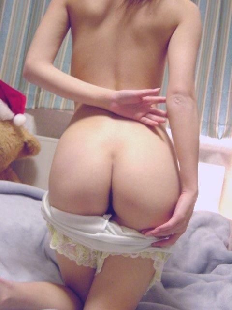 旦那が撮影した人妻熟女の巨乳おっぱいとかエッチな下着姿のエロ画像 267