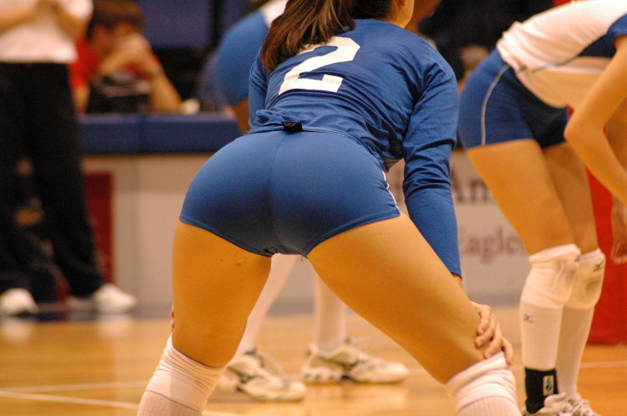 エロい視線で女子バレー選手の巨乳おっぱいやお尻を眺めるエロ画像 3112