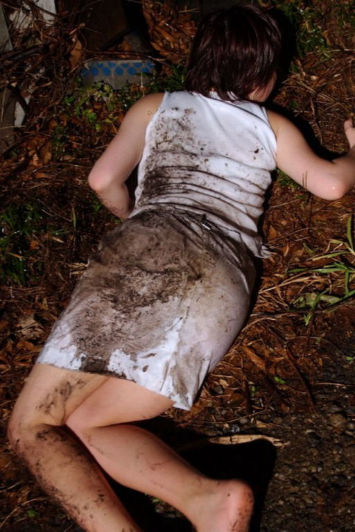 おまんこをレイプされた事後に放置された女達のエロ画像 3210