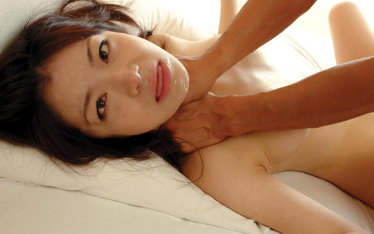 セックス中に首絞められてガチイキしちゃうヤバいハメ撮りエロ画像 329