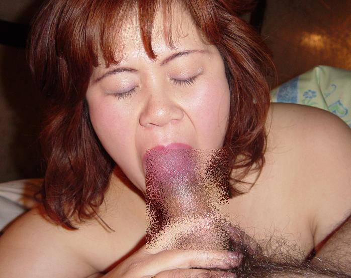 社内恋愛の旦那を裏切って上司と営業中に不倫する人妻のフェラ撮りエロ画像 399