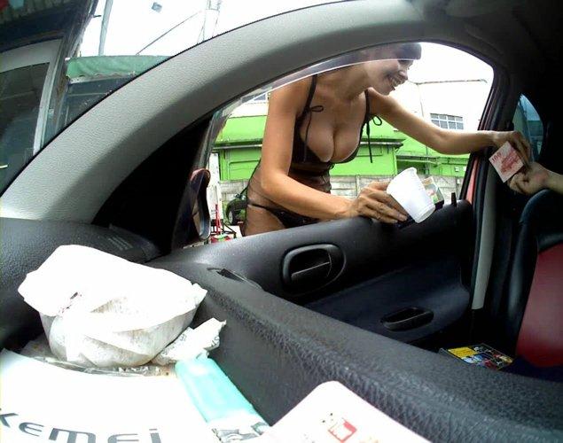 台湾のビンロウ売りの少女たちの衣装がセクシー過ぎる露出エロ画像 463