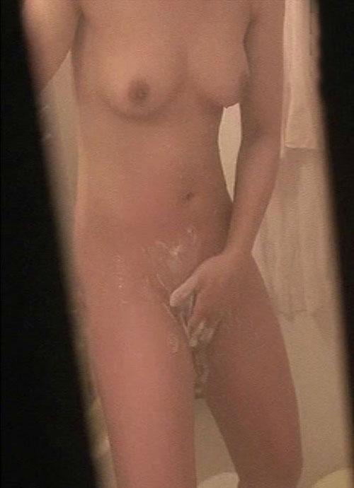 お風呂や脱衣所で裸になってる姿をガチ隠し撮りされた女のヤバいエロ画像 820