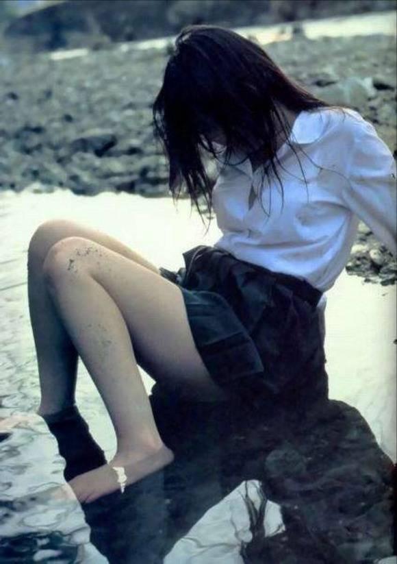 おまんこをレイプされた事後に放置された女達のエロ画像 853