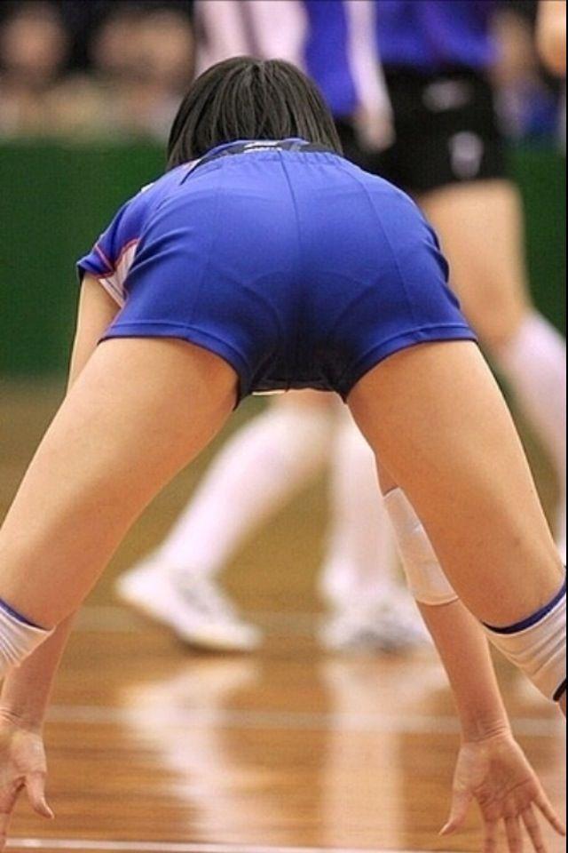 エロい視線で女子バレー選手の巨乳おっぱいやお尻を眺めるエロ画像 959
