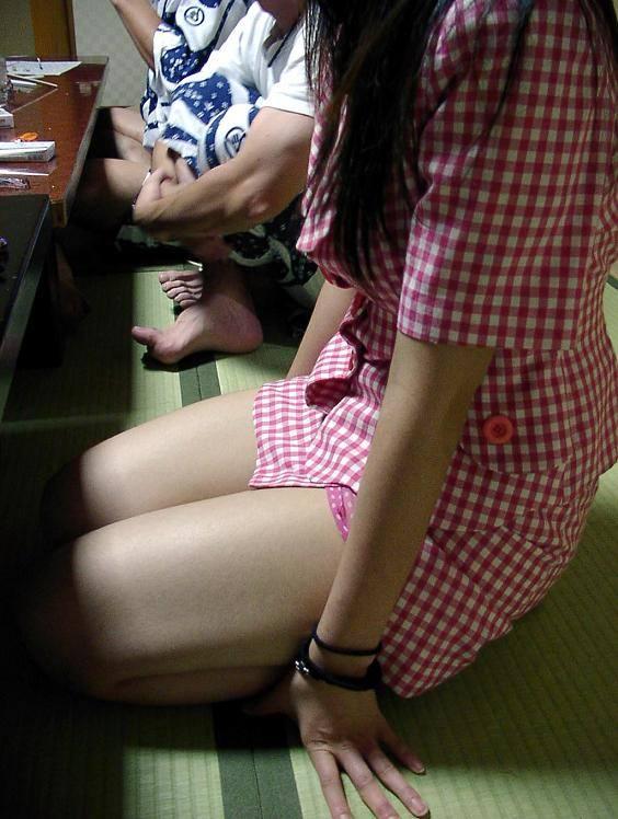 会社のピンクな宴会に参加して来たよwww酒池肉林のお遊び後は自室でセックスwww 0625