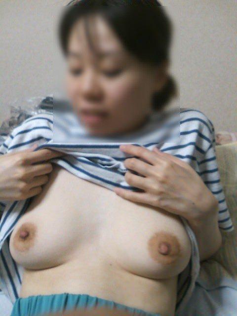 熟女になって垂れ始めた人妻の巨乳おっぱいエロ画像見て 1058