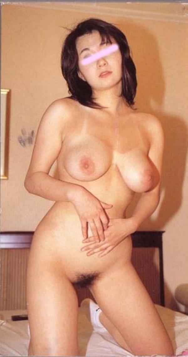 はち切れそうな熟女のむっちり巨乳おっぱいがが最高に抜ける人妻エロ画像 11113