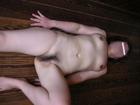 熟女好きには堪らない生活習慣と重力によって脂肪を蓄え弛んだムッチリ人妻のエロ画像 1115