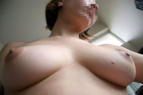 はち切れそうな熟女のむっちり巨乳おっぱいがが最高に抜ける人妻エロ画像 1279