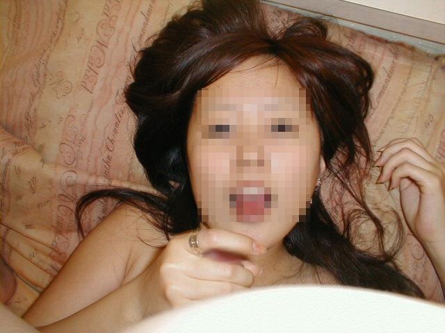 ぎこちない素人娘のシコシコで大量射精したくなる手コキエロ画像 1364