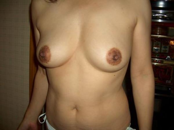 はち切れそうな熟女のむっちり巨乳おっぱいがが最高に抜ける人妻エロ画像 2171