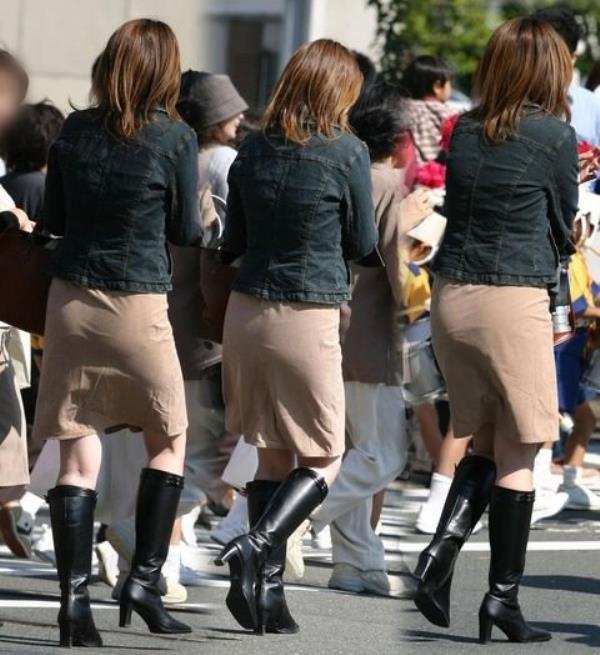 何の変哲も無い服を着てるただの人妻が妙に興奮する街撮りエロ画像 2531