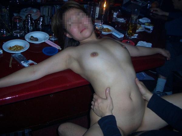 性欲が抑えきれないビッチなイケイケ人妻熟女が不倫中に撮ったエロ画像 325