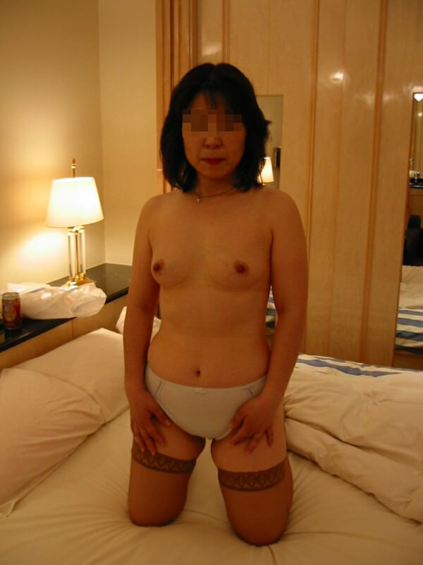 弛んでシワが増えた体でもセックスには敏感な人妻熟女の肉体エロ画像 339