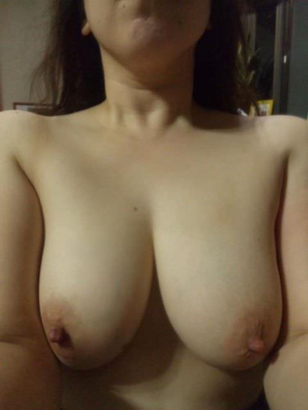 はち切れそうな熟女のむっちり巨乳おっぱいがが最高に抜ける人妻エロ画像 474