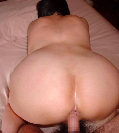 加齢臭とメス臭さが交じり合うフェロモンを発した人妻熟女のエロ画像 620