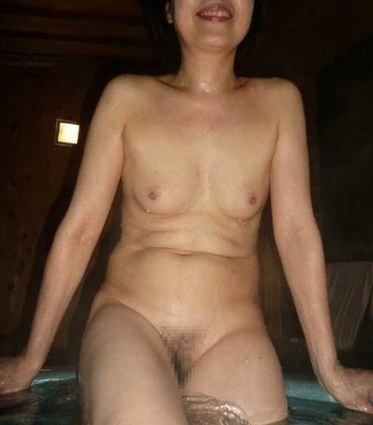 弛んでシワが増えた体でもセックスには敏感な人妻熟女の肉体エロ画像 636