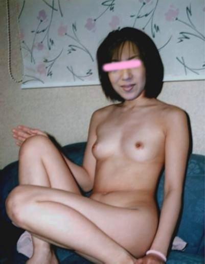 これからドスンドスン体重そうな熟女がセックス始めそうな人妻エロ画像 871