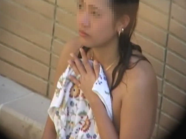 混浴で親友を隠し撮りwwwwwwネットにうpされた女子大学生のえろ写真
