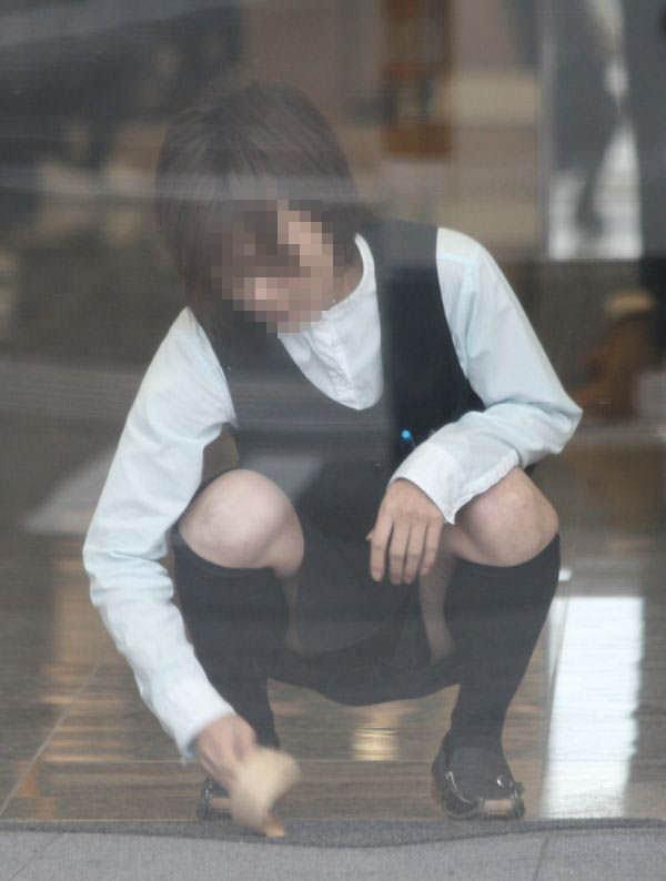 OLのパンチラとかスーツにピタッと張り付くお尻にオチンコ擦りつけたい街撮りエロ画像 128