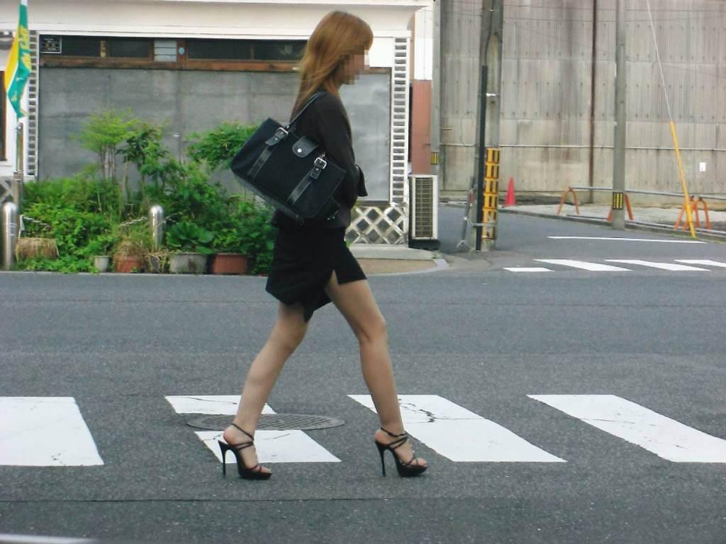 ガチOLの働くお姉さんたちのお尻を激写した街撮りエロ画像 139