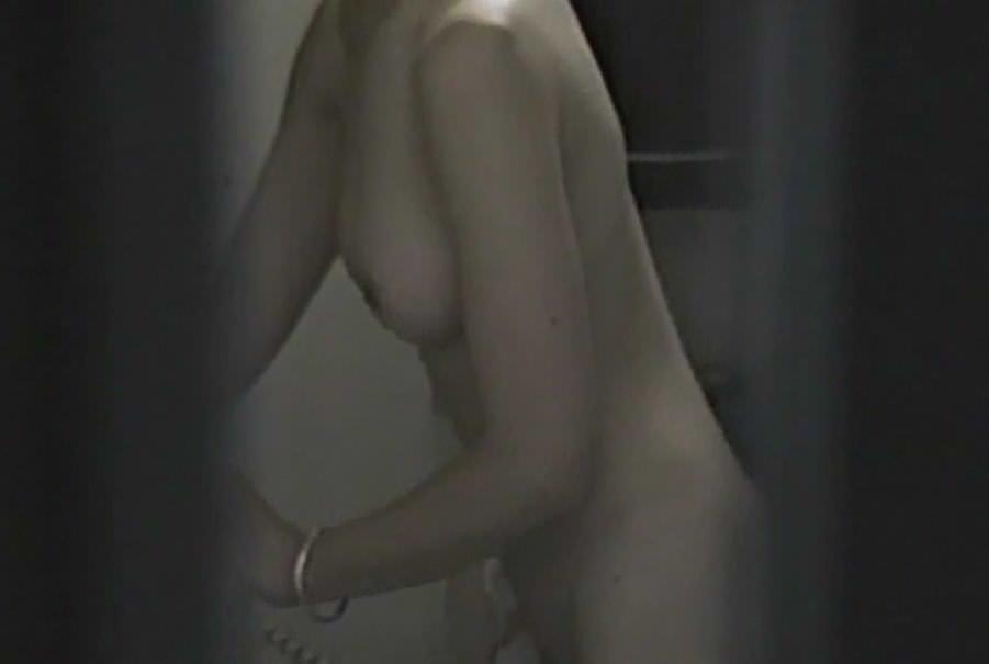 女子大生の入浴姿や私生活をガチ隠し撮りしたエロ画像 1464
