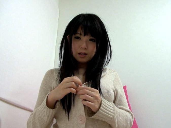 黒髪素人娘が自画撮りオナニー公開www自分の指マンに感じまり大量潮吹きwwwしてるエロ画像 1534