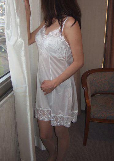 純白の下着で旦那を魅了する人妻熟女www清楚に見せかけてセックスしまくりなのが良いwwww 1914 1