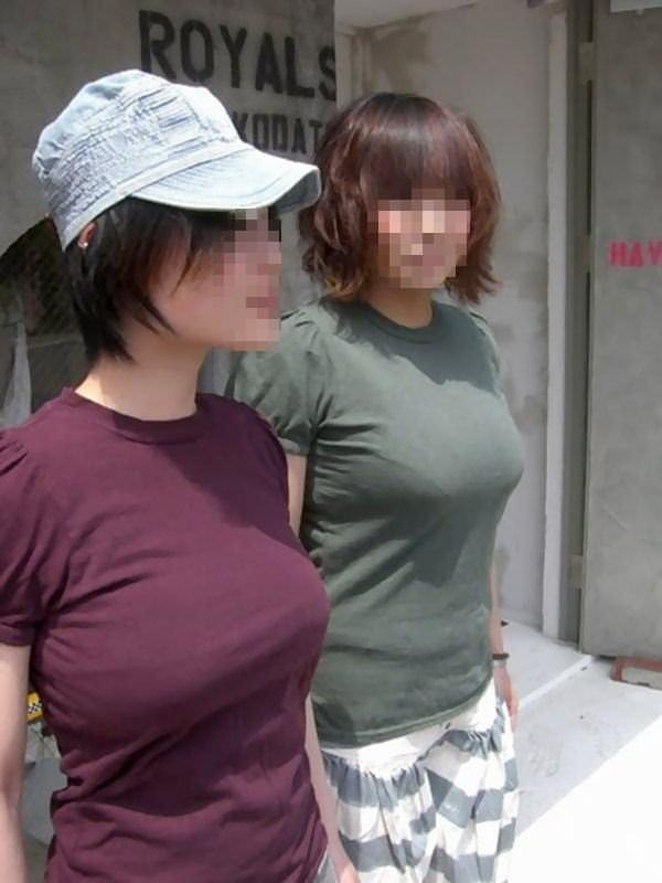 はち切れそうとはこの事www爆乳着衣おっぱいの街撮りエロ画像 244