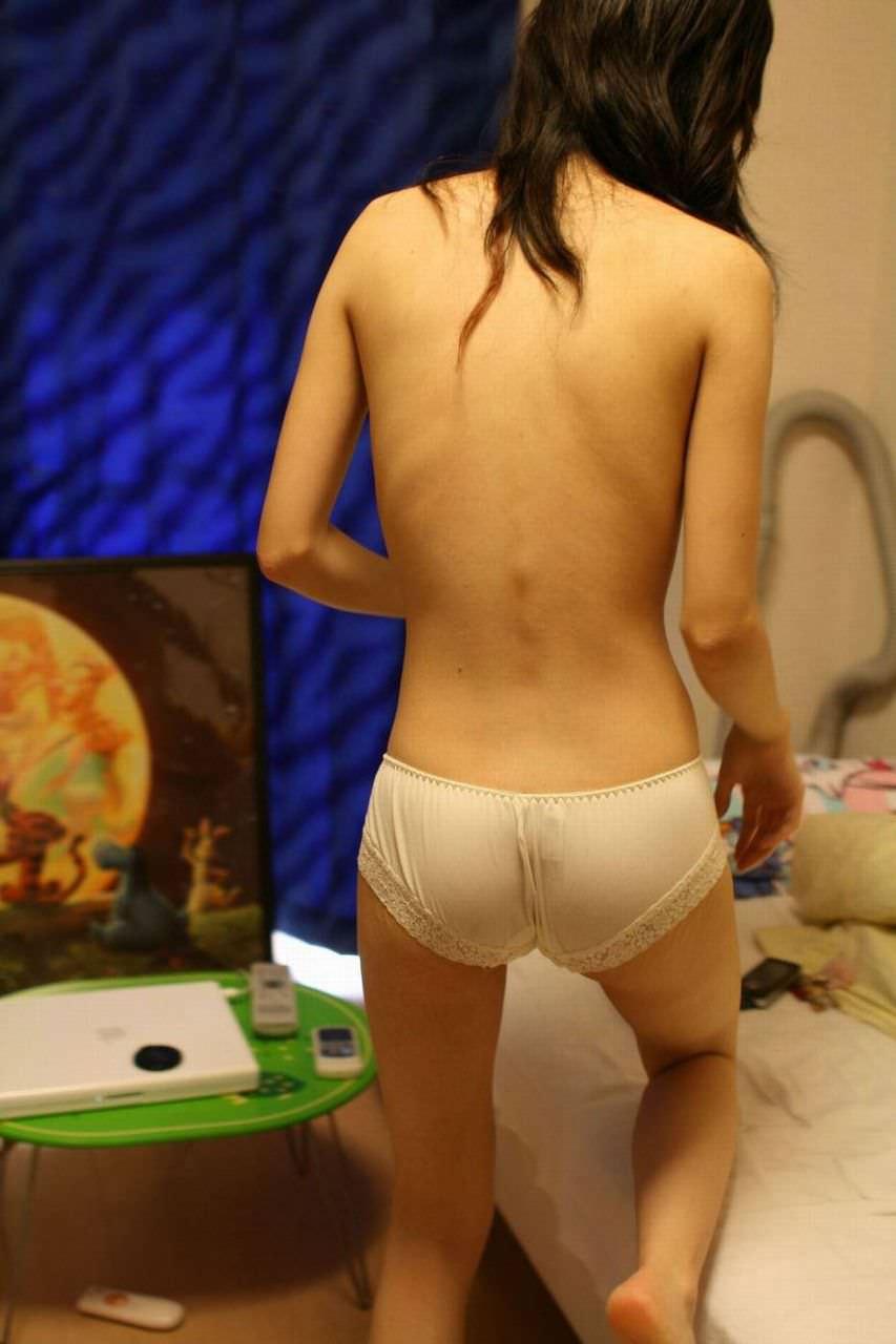 このあとが気になるwww彼氏にどう調理されるのか素人♀の下着姿エロ写メwww 2721