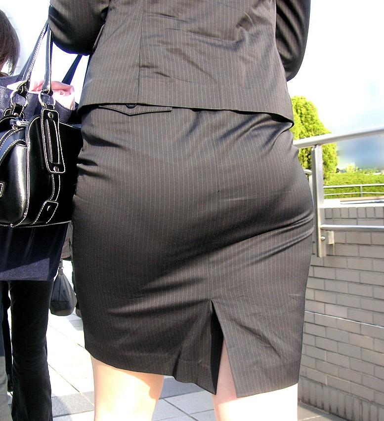 ガチOLの働くお姉さんたちのお尻を激写した街撮りエロ画像 69