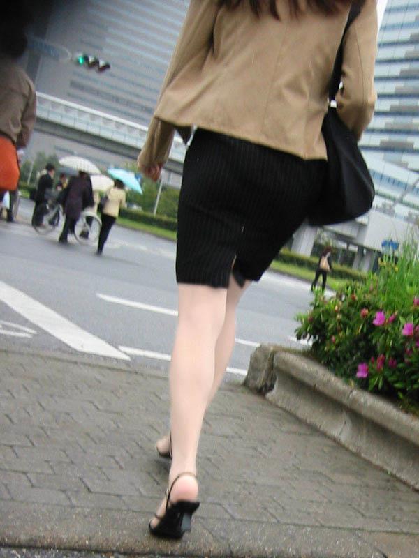 ガチOLの働くお姉さんたちのお尻を激写した街撮りエロ画像 89