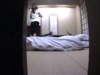 酔っ払って寝てる彼女のおまんこクンニからのフェラさせて顔射したAVキャプエロ画像