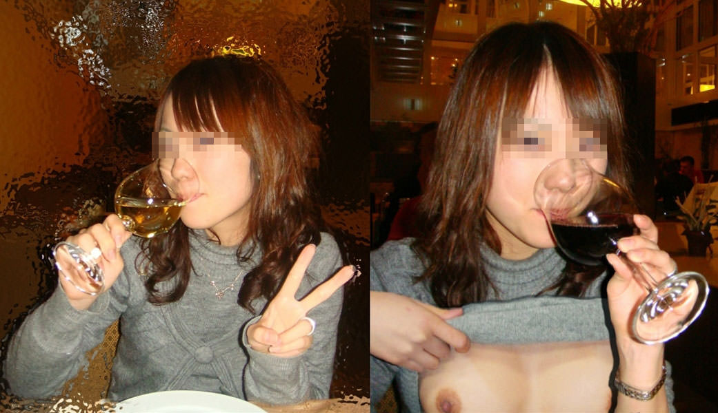 食堂やレストランで露出する破廉恥な行為をする変態女のエロ画像 1223