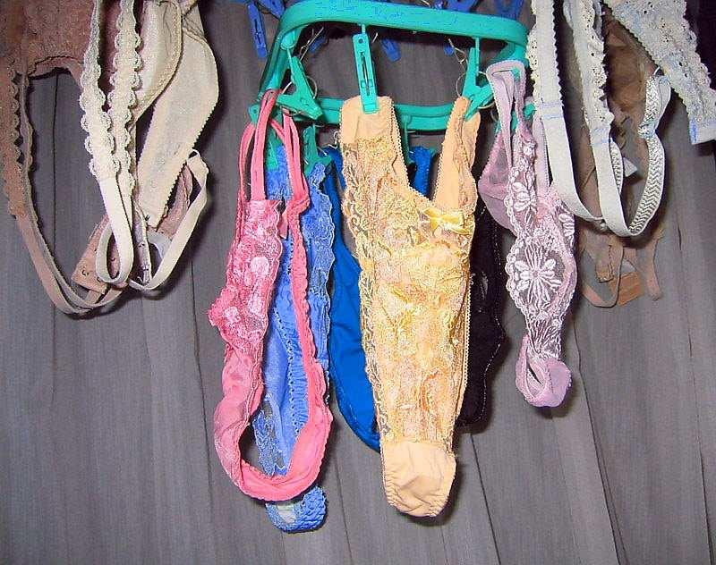 彼女や嫁がガチ使用してるパンティーやブラジャーの洗濯物の素人下着エロ画像 15