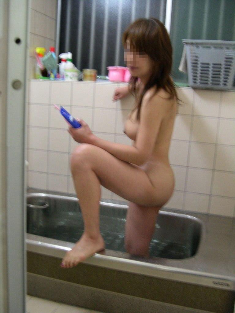 彼女が居るからこそ撮影できる入浴中の素人娘のエロ画像 15107